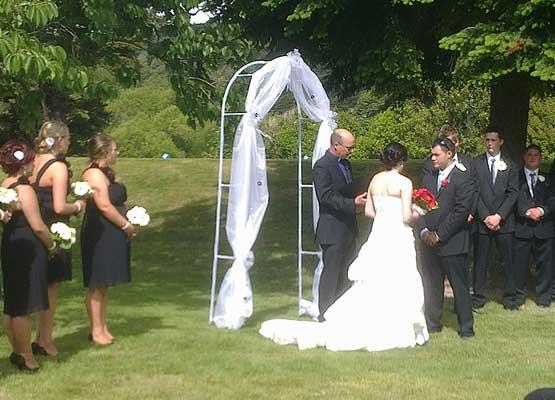 out-door-weddings-555x400